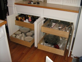 Pull out kitchen shelves in Alabama can be made to fit most cabinets