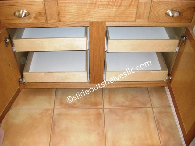 Cabinet with pull out shelves